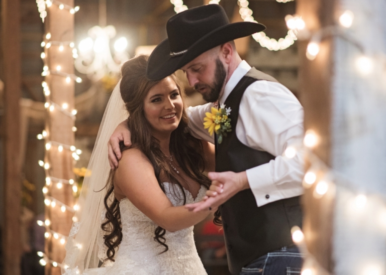 Rustic Barn Wedding at 410 Gin